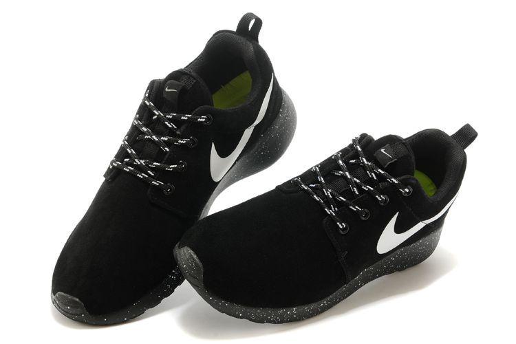 cblbf 2015 Homme - Nike Roshe Run Suede Star Promo Noir Blanc France Nouveau Pas