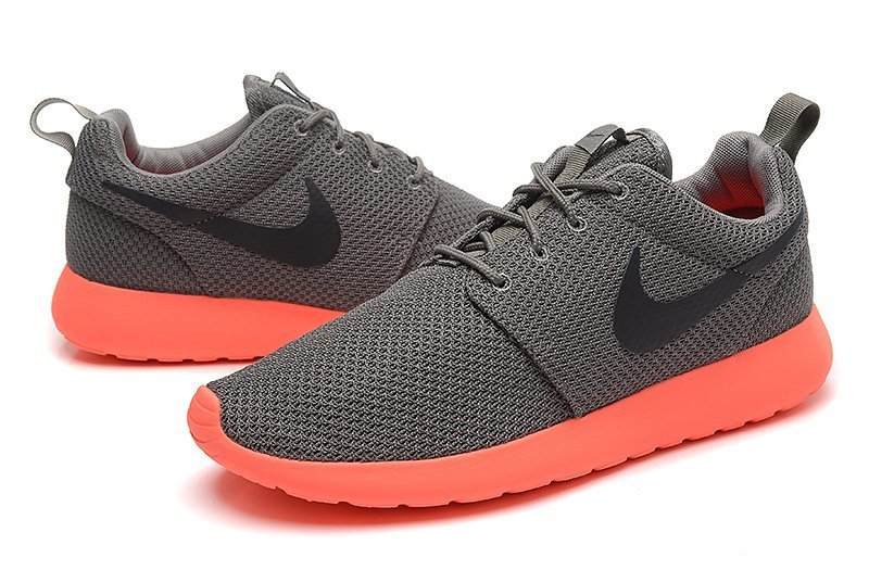 roshe run orange and black