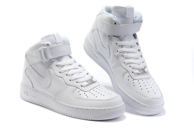 basket nike air force 1 mid blanc pas cher